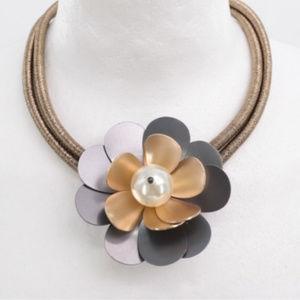 Elegant Necklace with big Golden Flower